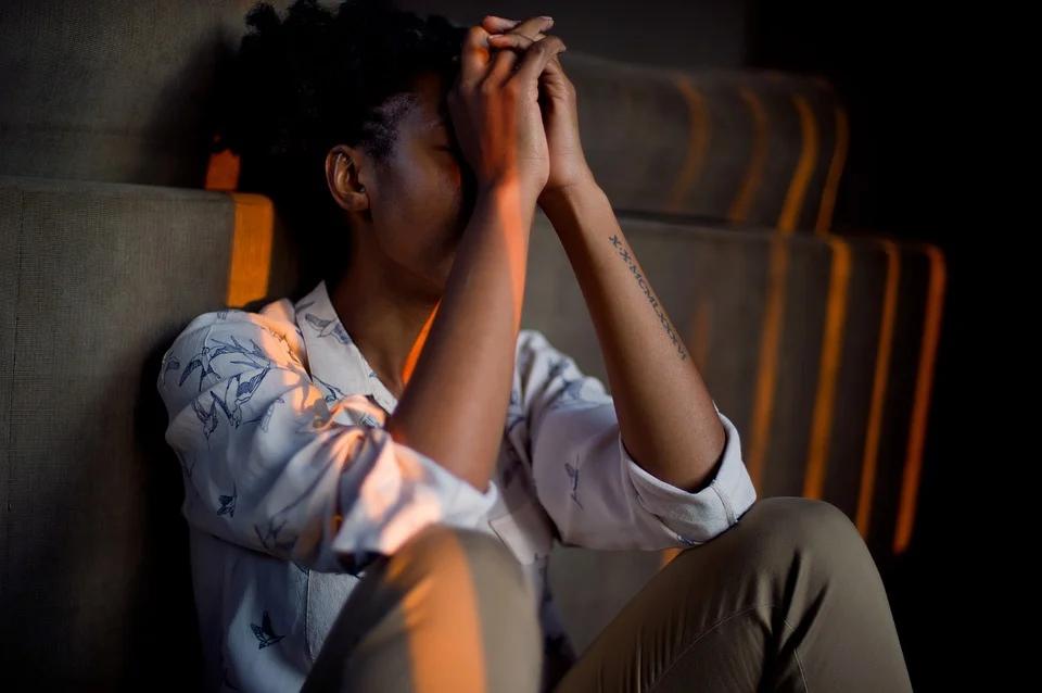 Femme qui déprime : quel remède naturel est adapté ?