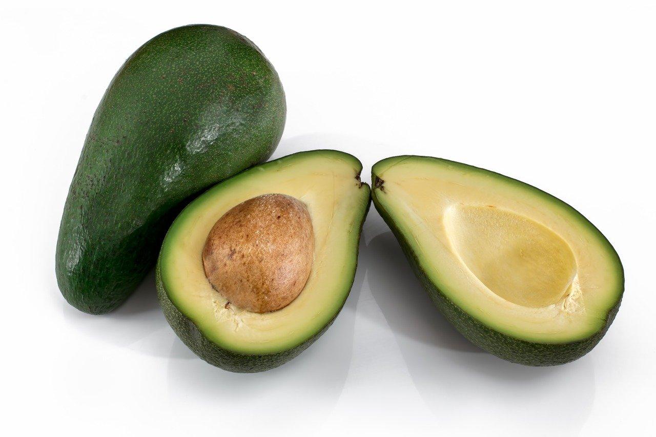 Avocat : fruit qui permet de faire augmenter le taux de glutathion.